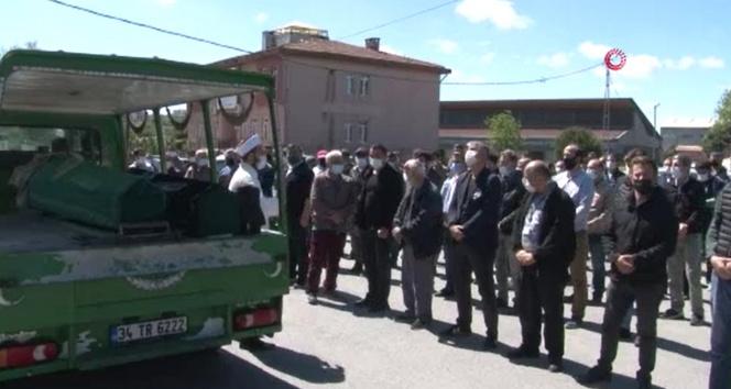 Trafik kazasında hayatını kaybeden sağlık çalışanı ve eşi için hastanede tören düzenlendi