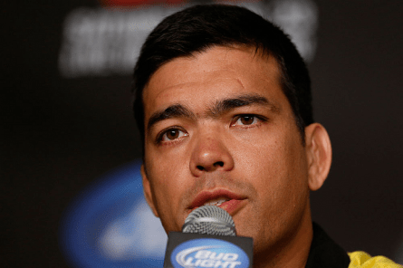 L. Machida quer aguardar duelo entre Jones e Sonnen, técnicos do TUF 17. Foto: Josh Hedges/UFC