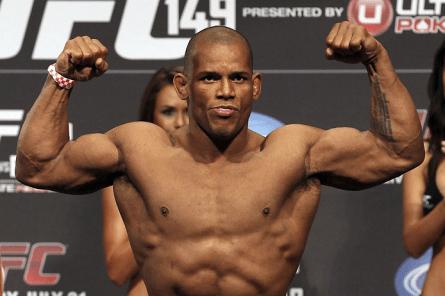 Após início irregular no UFC, H. Lombard resolveu mexer em sua preparação nutricional. Foto: Josh Hedges/UFC