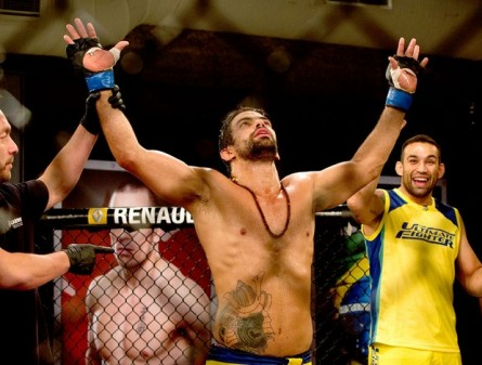 Y. Cabral vence D. Viera no TUF Brasil 2. Foto: Divulgação/UFC