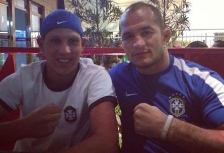 J. Cigano (dir.) curtiu a conquista da seleção brasileira ao lado do irmão Marcelo (esq.). Foto: Instagram/Reprodução