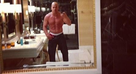 Ortiz mostra boa forma e indica que pode voltar a lutar. Foto: Reprodução Instagram