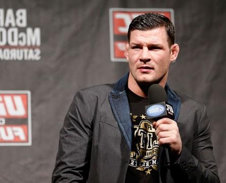 """M.Bisping (foto) apontou sua """"metralhadora giratória"""" para o rival M.Muñoz. Foto: Josh Hedges/UFC"""