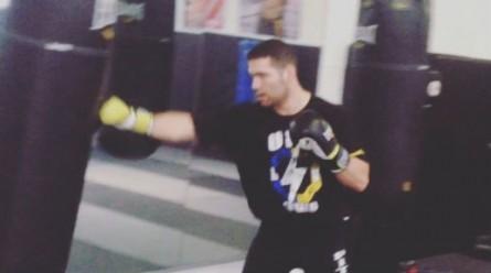 Weidman já faz seus primeiros treinos de boxe após cirurgia. Foto: Reprodução/Instagram