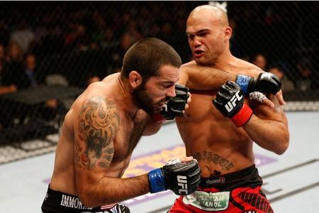 Brown (esq.) e Lawler (dir.) lutaram no UFC on FOX 12. Foto: Josh Hedges/UFC