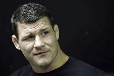 M. Bisping (foto) venceu C. Le por nocaute no quarto assalto. Foto: Josh Hedges/UFC