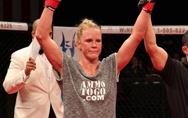 H. Holm (foto) estreou no UFC com vitória, mas não empolgou. Foto: Reprodução