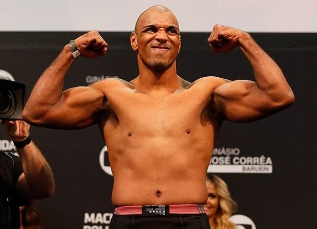 Pezão (foto) enfrenta atleta local no UFC Nova York. Foto: Josh Hedges/UFC
