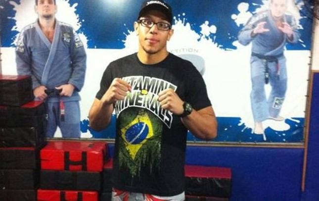 Luiz Henrique (foto) tem um cartel de 8-1 (1 NC). Foto: Reprodução/Facebook
