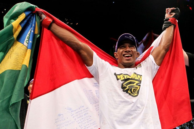 Marajó brilhou no card preliminar do UFC 204. Foto: Divulgação