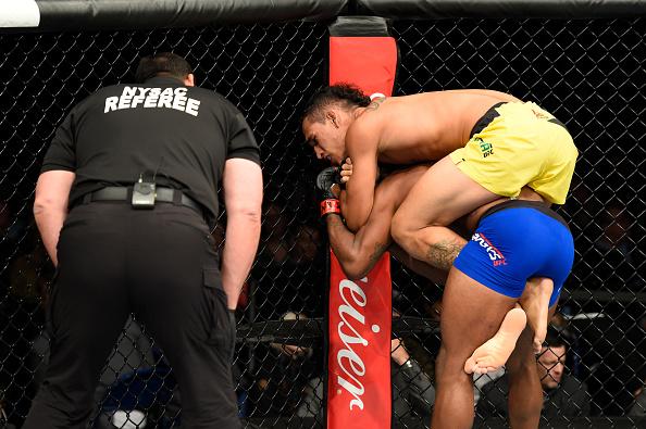 Do Bronx finalizou Brooks no primeiro round (Foto: Josh Hedges/UFC)