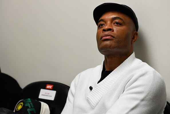 A. Silva falou sobre seu futuro (Foto: Reprodução Facebook UFC)