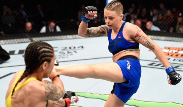 Calderwood (dir) enfrenta Calvillo (Foto: Reprodução/Facebook/UFC)