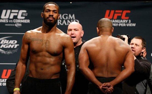 Jones quer fazer as pazes com Cormier (Foto: Reprodução/Twitter UFC Brasil)