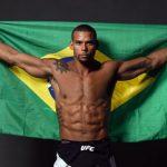 Marreta enfrenta  Hermansson no UFC São Paulo (Foto:Reprodução-Facebook ThiagoMarreta)
