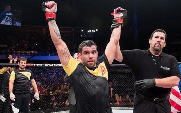 Barão luta no UFC 214 (Foto: Reprodução Twitter ufc_brasil)