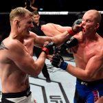 Volkov nocauteou Struve no terceiro round (Foto: Reprodução/Twitter UFC)