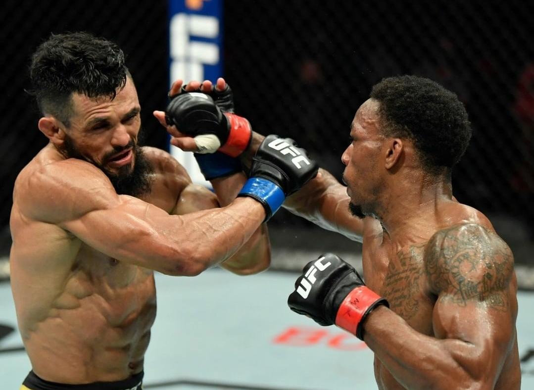 Warlley Alves faz bonito e atropela Mounir Lazzez no UFC Ilha da Luta 8 | SUPER LUTAS