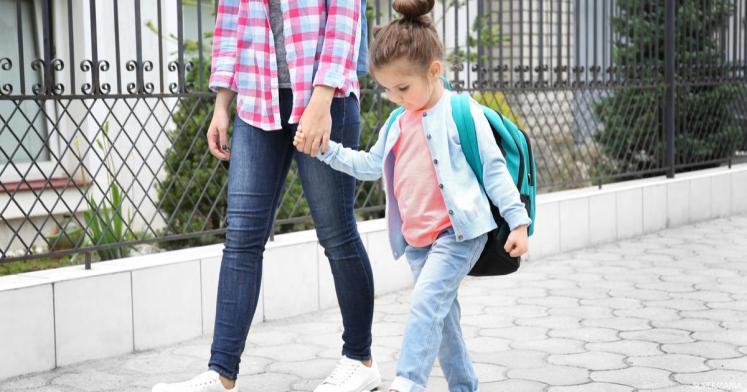 كل ما تحتاجين معرفته عند التقديم لطفلك في المدرسة | سوبر ماما