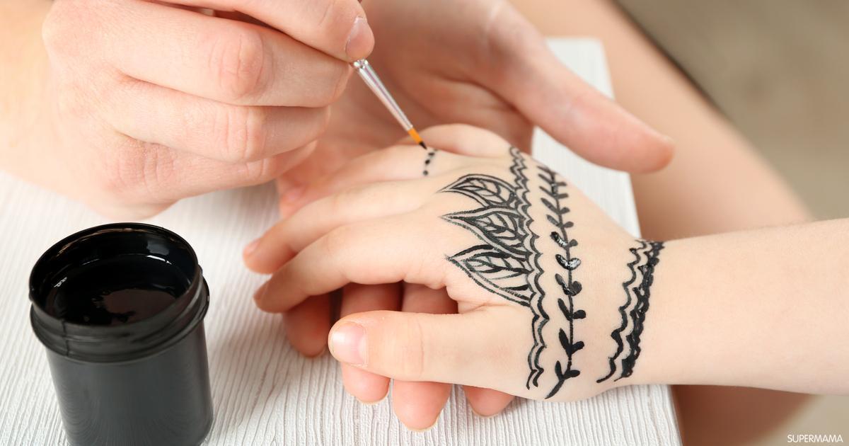 رسم حنه على اليد بسيطه للاطفال