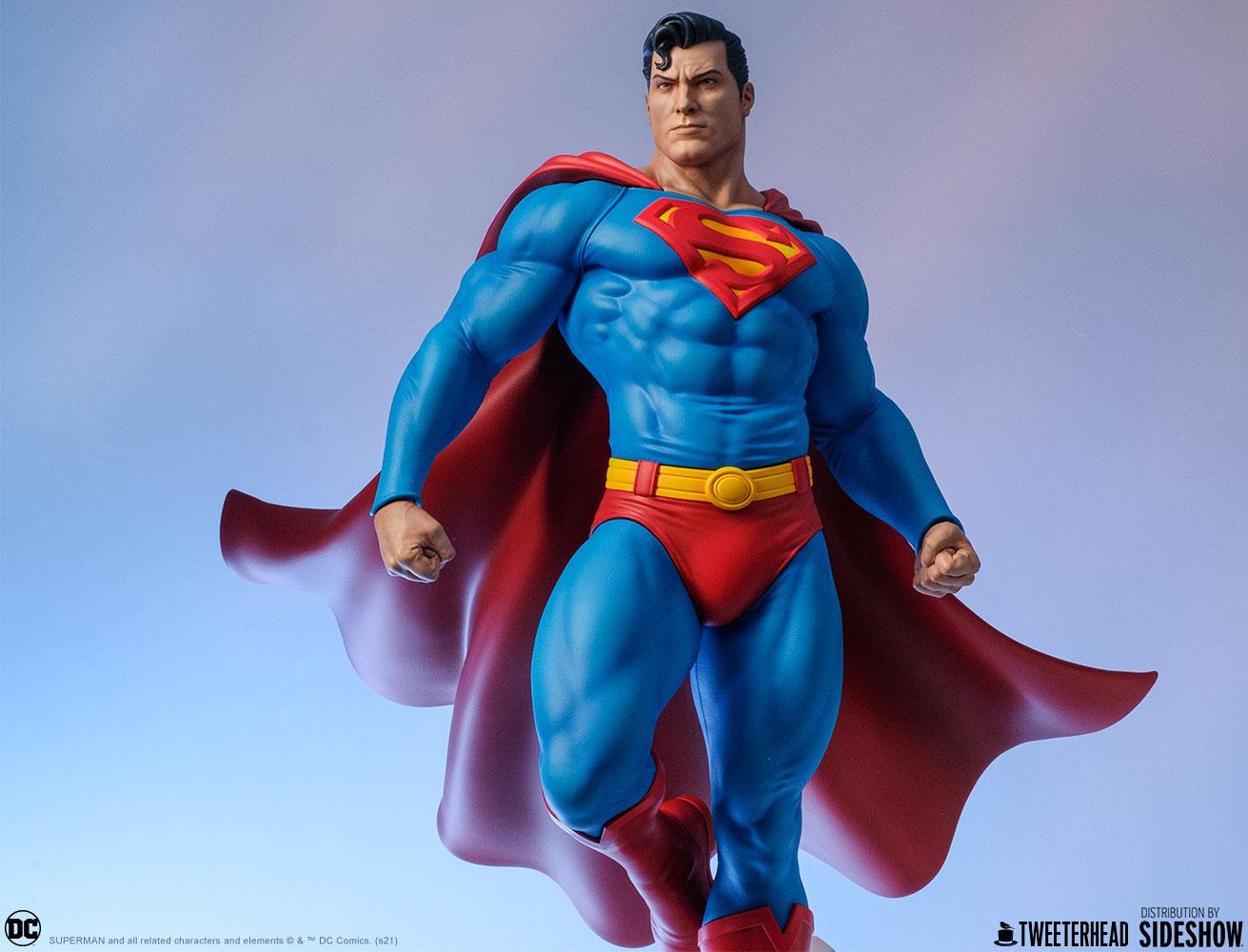 Superman Maquette