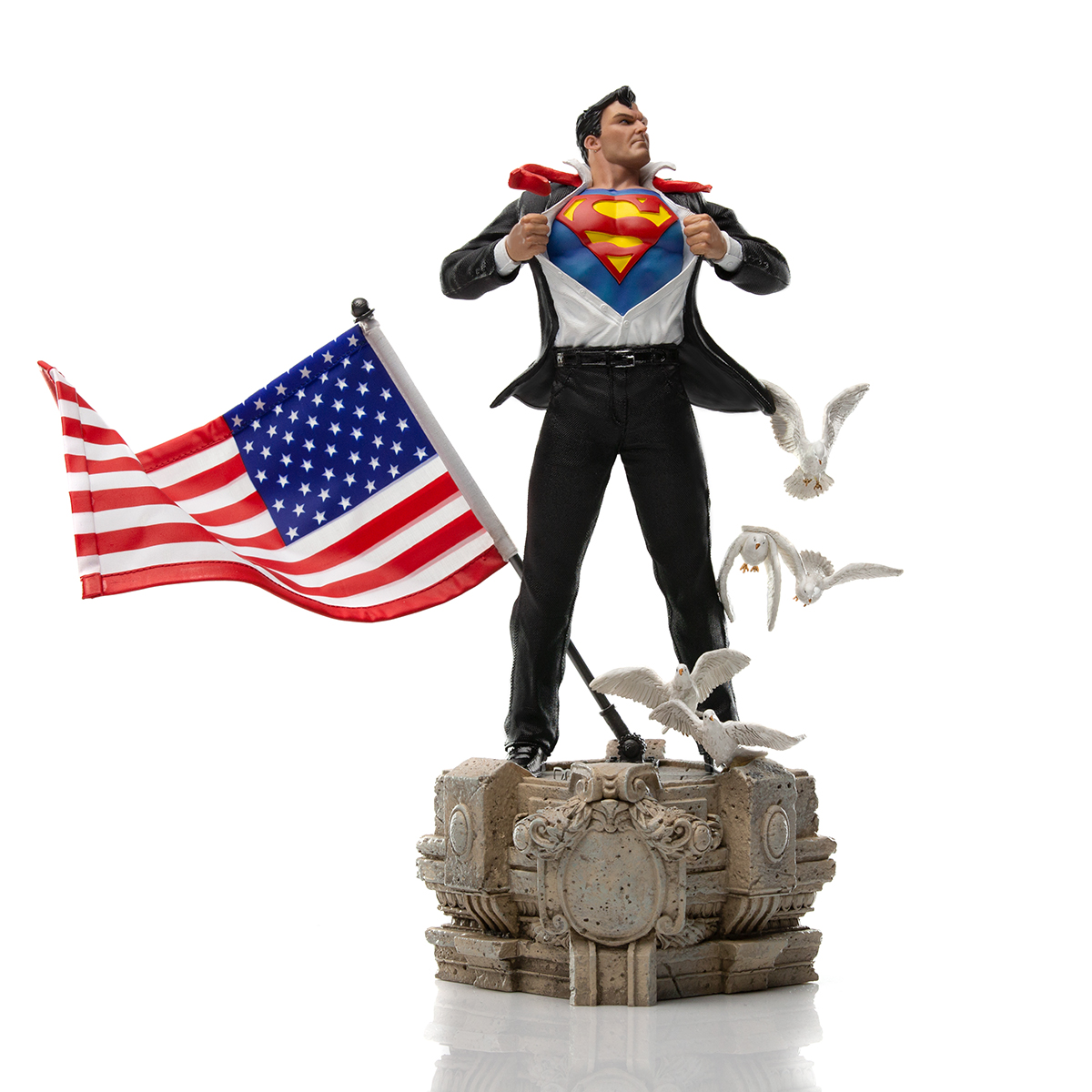 Iron Studios Clark Kent Deluxe Statue