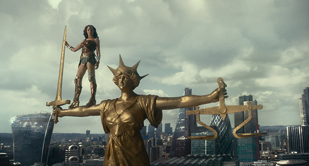 Justice_League_Wonder_Woman_Statue