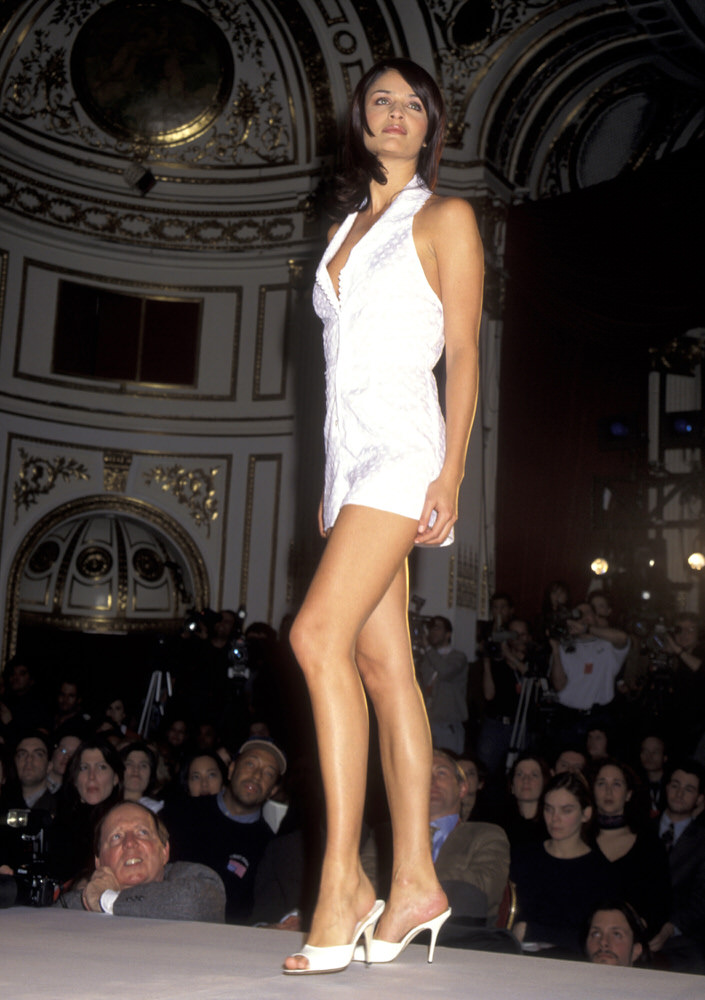 Victoria's Secret Fashion Show 1996 – Runway – Helena Christensen [x 7]