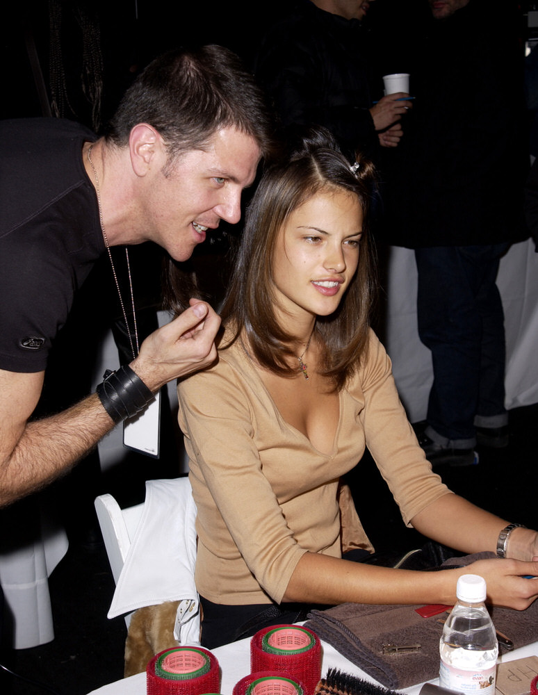 Victoria's Secret Fashion Show 2001 – Backstage – Alessandra Ambrosio [x 3]