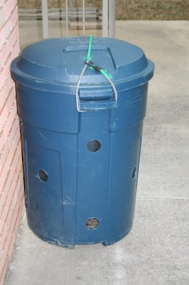 finished-compost-bin