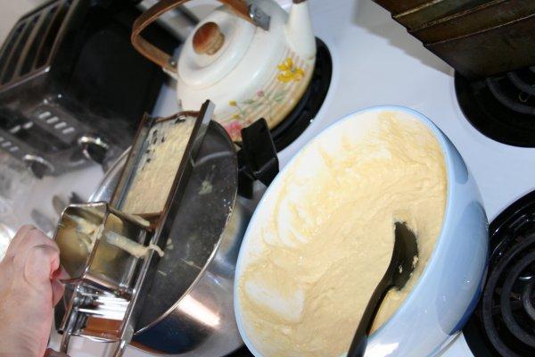 Using spaetzle maker 3