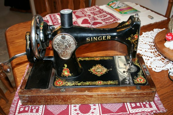Back of 1924 Singer 128 Hand Crank Sewing Machine