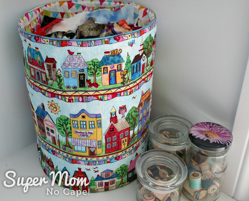 abric Scrap Storage - 10.5 inch Fat Quarter Pop_Up using Home Sweet Home fabric - fabric scraps neatly stored