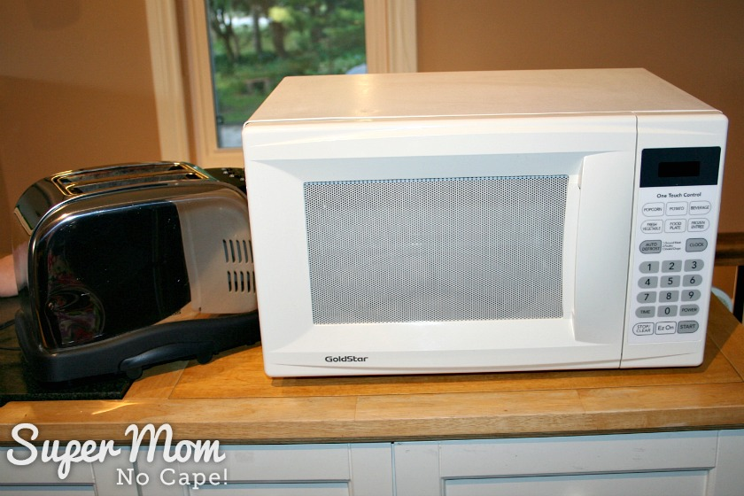 Microwave And Toaster In 1 ~ How to set up a kitchen on the cheap without it looking