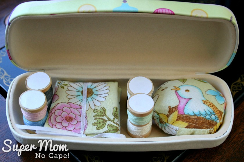 Tutorial: Glasses case sewing kit