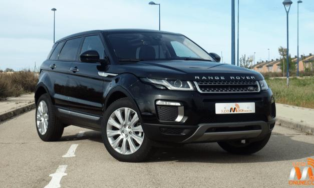 Al volante del Land Rover Range Rover Evoque 2017