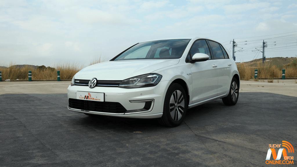 Al volante del Volkswagen e-Golf 2017