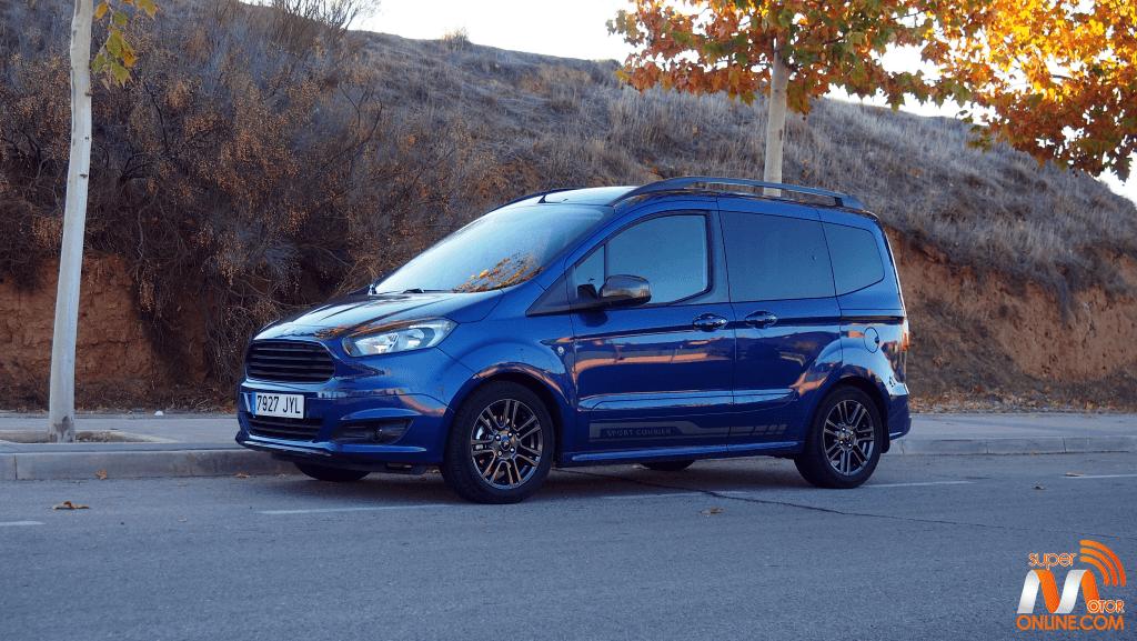 Al volante del Ford Tourneo Courier Sport 2017
