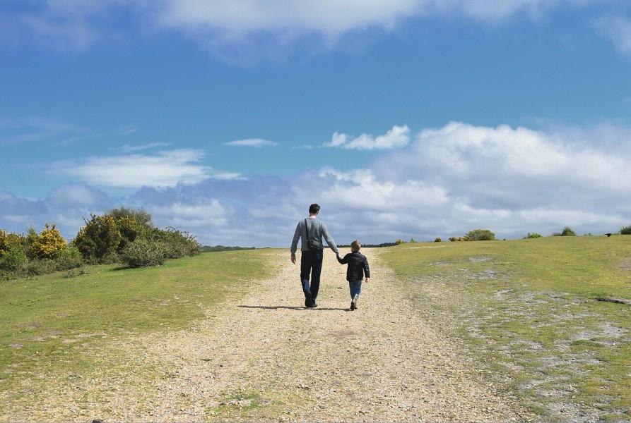 Mit Papa zur Kita - Ein tägliches Erlebnis für Vater und Sohn