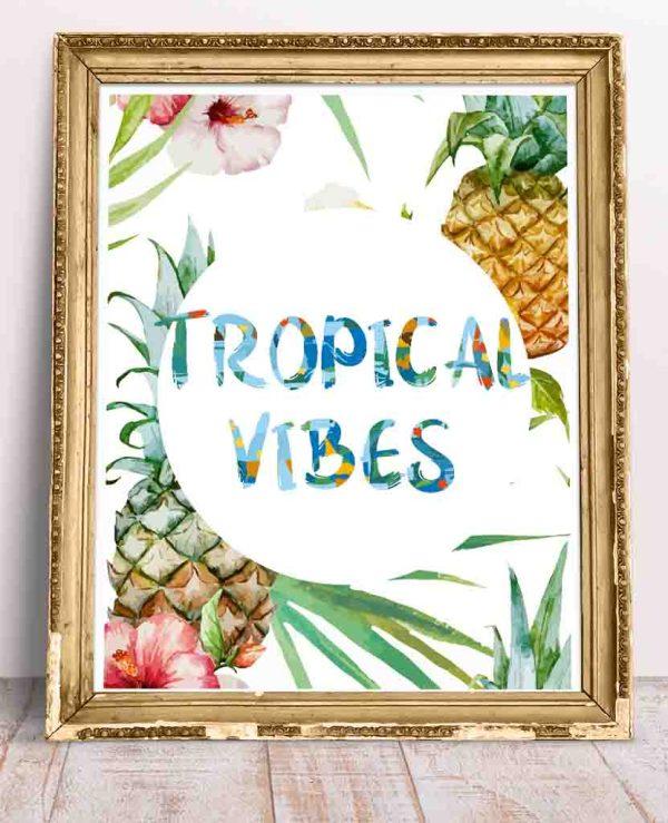 Plakat z ananasem i liśćmi i kolorowym napisem po angielsku