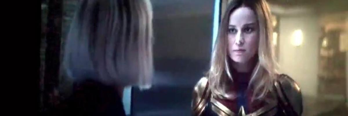 Captain Marvel (Brie Larson) face à Black Widow (Scarlet Johansson)
