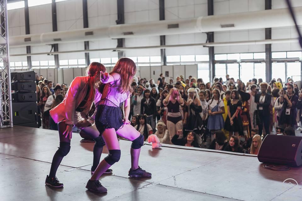 Groupe de danse à Animasia.