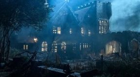 Take a look at the First Trailer for The Haunting of Hill House on Netflix