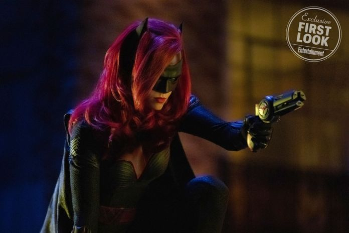 Batwoman-Elseworlds-Entertainment-Weekly-01