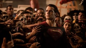 Henry Cavill in talks to Return as Superman in Upcoming DC Film