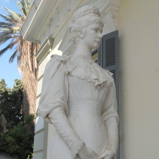 Sisi Statue