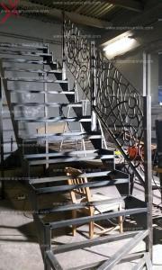 декоративные перила лазерной резки на лестницу