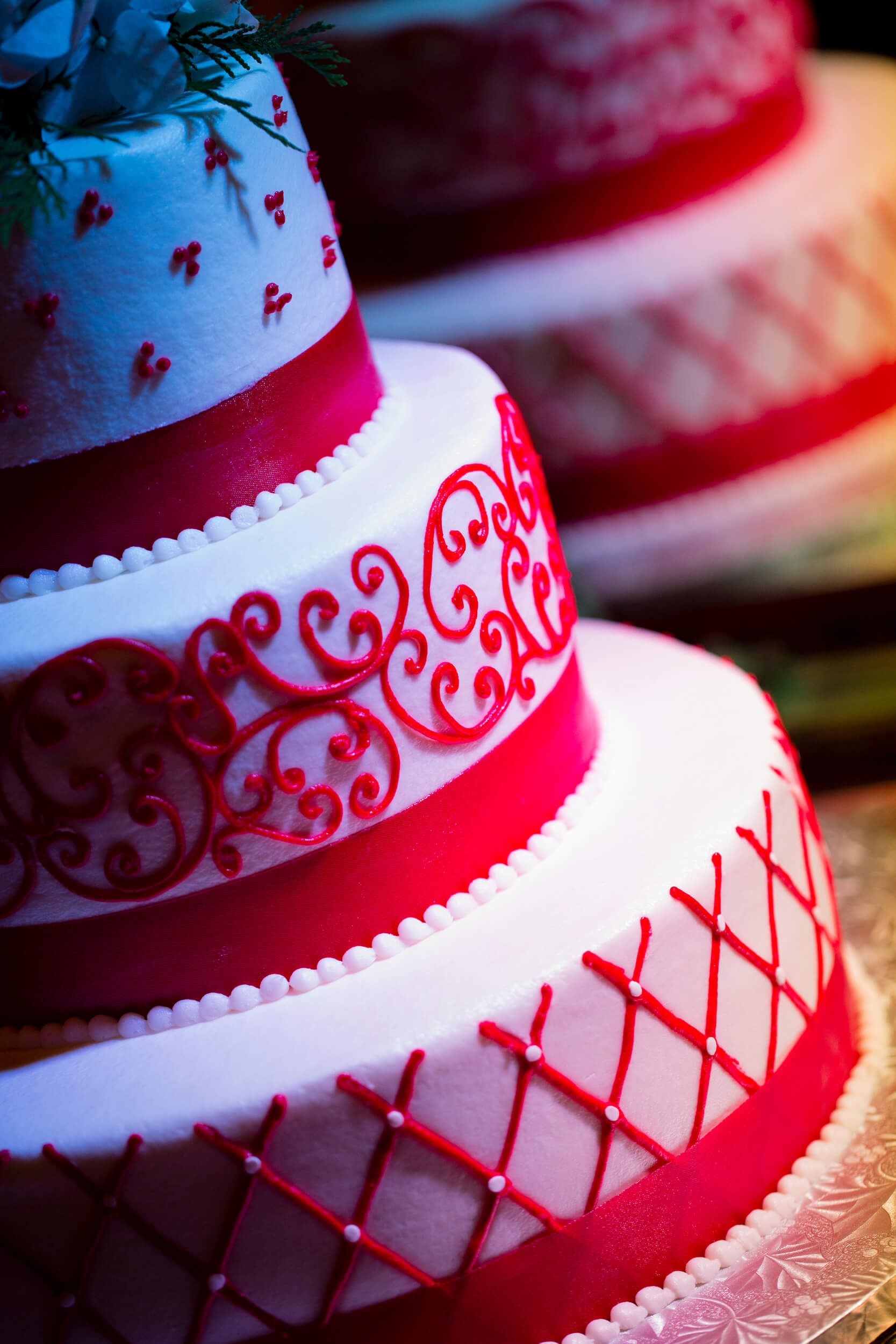 red and white wedding cake ideas stunning and white wedding cake ideas click to see all 19100