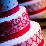 7 Stunning Red and White Wedding Cake Ideas
