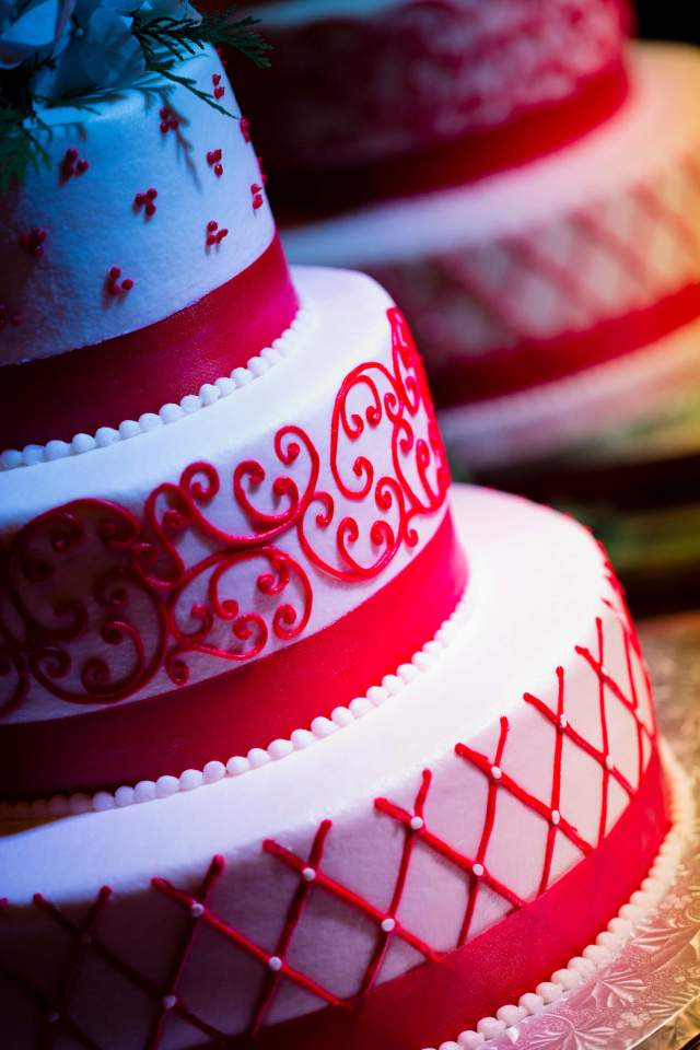 Red and white cake ideas